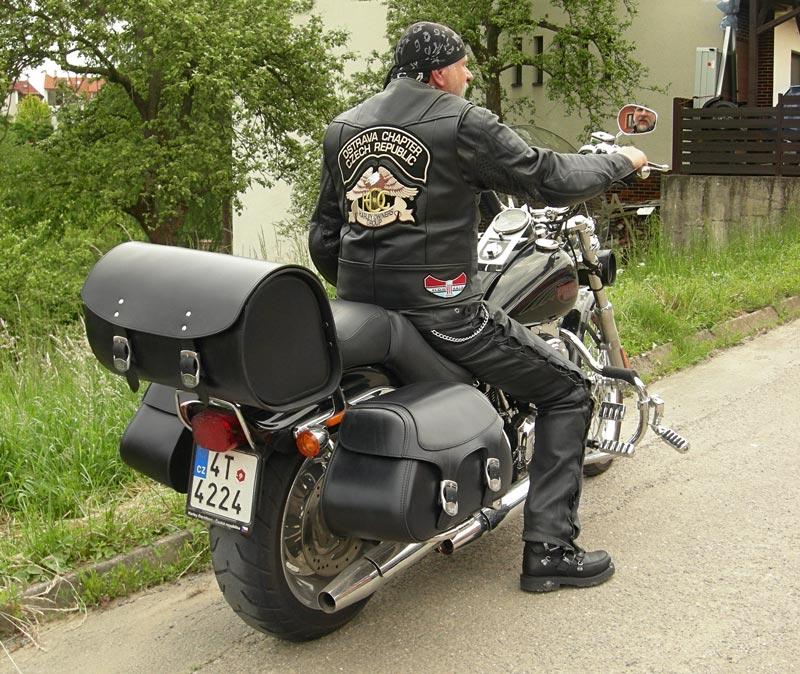 b2d1e5130a Harley-Davidson FXSTC Softail Custom. brašny 1-D00 velikost  54 x 29 x 22  cm brašna na nosič 1-ZD20 velikost  48 x 30 x 31 cm rolka velikost  35 x 12  cm.