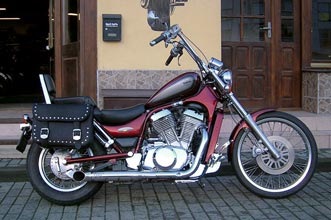 Suzuki Intruder VS800